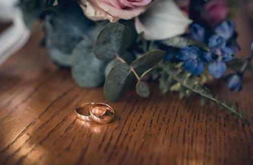 Obrączki ślubne, fotograf ślubny i rodzinny Koszalin- barbara Rompska Fotografia