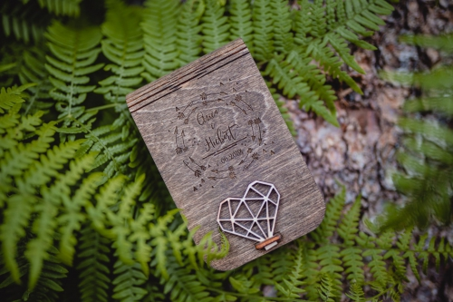 pudełko drewniane na pendrive, kraina drwala, rompska fotografia