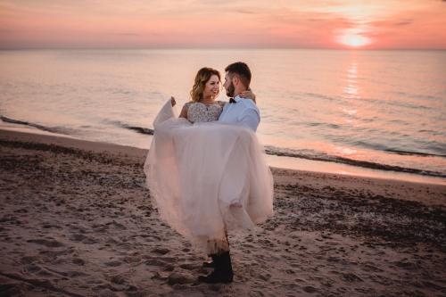 Suknia ślubna: Salon mody ślubnej Madonna w Gdyni fotograf koszalin barbara rompska