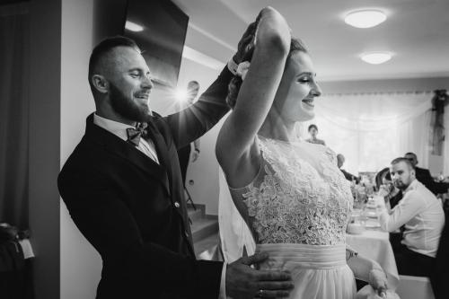 pierwszy taniec, wesele pokoje gościnne Aga Mielenko, fotograf koszalin, rompska barbara