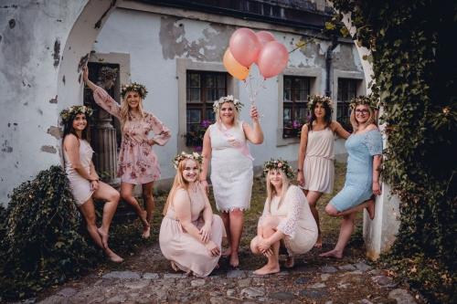 balony z helem na wieczór panieński, fotograf koszalin Barbara Rompska, Zamek w krągu, Hotel Podewils