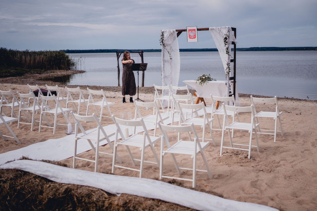 Rustykalny ślub cywilny w plenerze nad jeziorem- Ranczo Panderossa szczecinek gwda wielka
