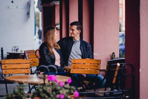 pizzeria przy ratuszu koszalin fotograf Barbara Rompska sesja narzeczeńska