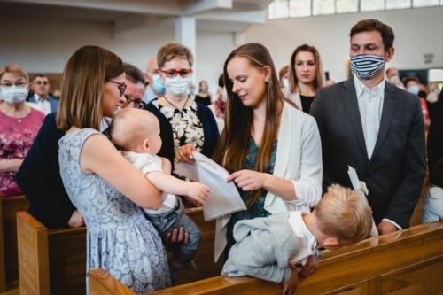 Chrzest święty, fotograf Koszalin Barbara Rompska Kościół Rzymskokatolicki pw. św. Kazimierza Królewicza